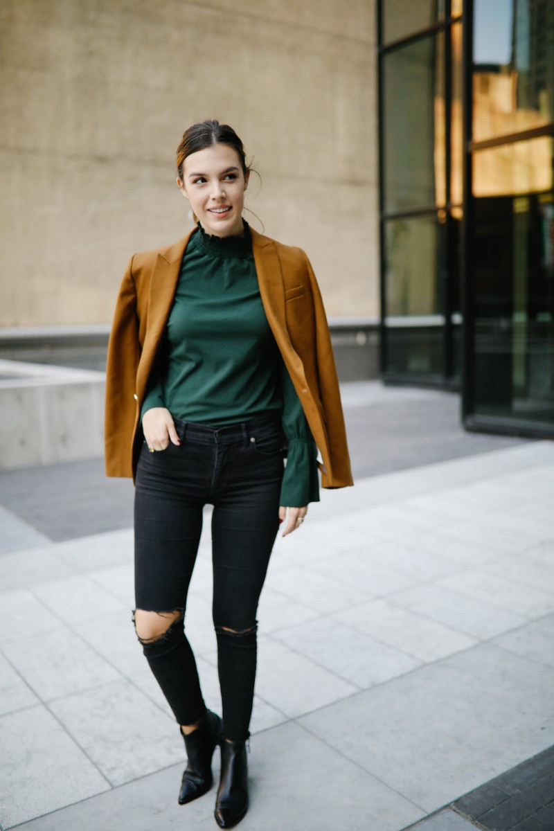 Style and lifestyle blogger Ashley Deatherage shares save or splurge for fall staples | Never Without Lipstick | fall staples, fall wardrobe, fall outfits, fall fashion 2017, outfit ideas, shopping hack