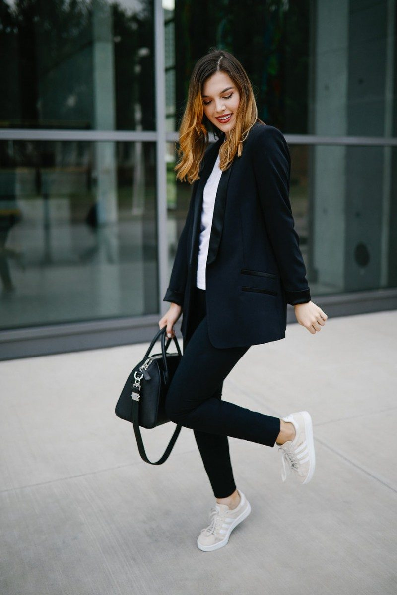 Style blogger Ashley of Never Without Lipstick wears three warm weather fall outfits | fall outfits warm weather, fall outfit layers, casual fall outfits warm weather, fall outfit, casual fall outfit, tuxedo blazer, adidas campus, sneakers outfit | Fall outfits for warm weather featured by top Dallas fashion blog, Never Without Lipstick: image of a woman wearing a TOPSHOP blazer, A&F tee, BP leggings and Urban Outfitters sneakers