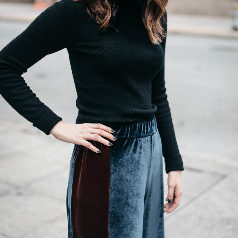 What to Wear to Casual Office Holiday Events