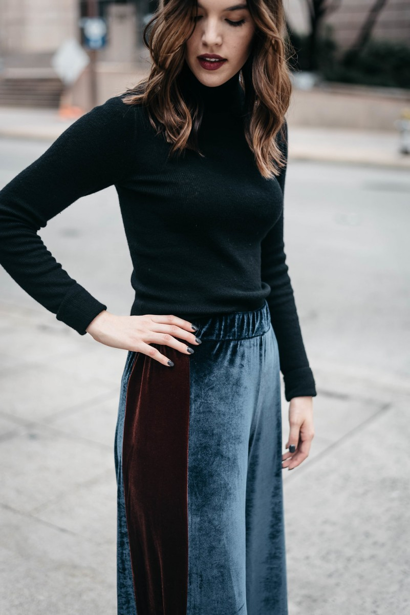 Style blogger Ashley of Never Without Lipstick wears wide leg velvet pants and a cashmere turtleneck outfit | office holiday outfit, casual holiday party outfit, office holiday party outfit, wide leg velvet pants, turtleneck outfit, casual office holiday party outfit, winter outfit - Casual Holiday Party Outfit for the Office featured by top Dallas fashion blog, Never Without Lipstick